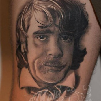 Maui Meherzi - Opus Magnum Tattoo Studio Wien - Helge Schneider Tattoo