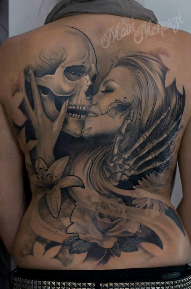 Maui Meherzi - Opus Magnum Tattoo Studio Wien - Skull Kiss Tattoo