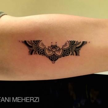 Opus Magnum Tattoo Wien Batman lines fani sofian meherzi filigran filigree lining black cheyenne tatouage τατουά ζ タトゥー 黥