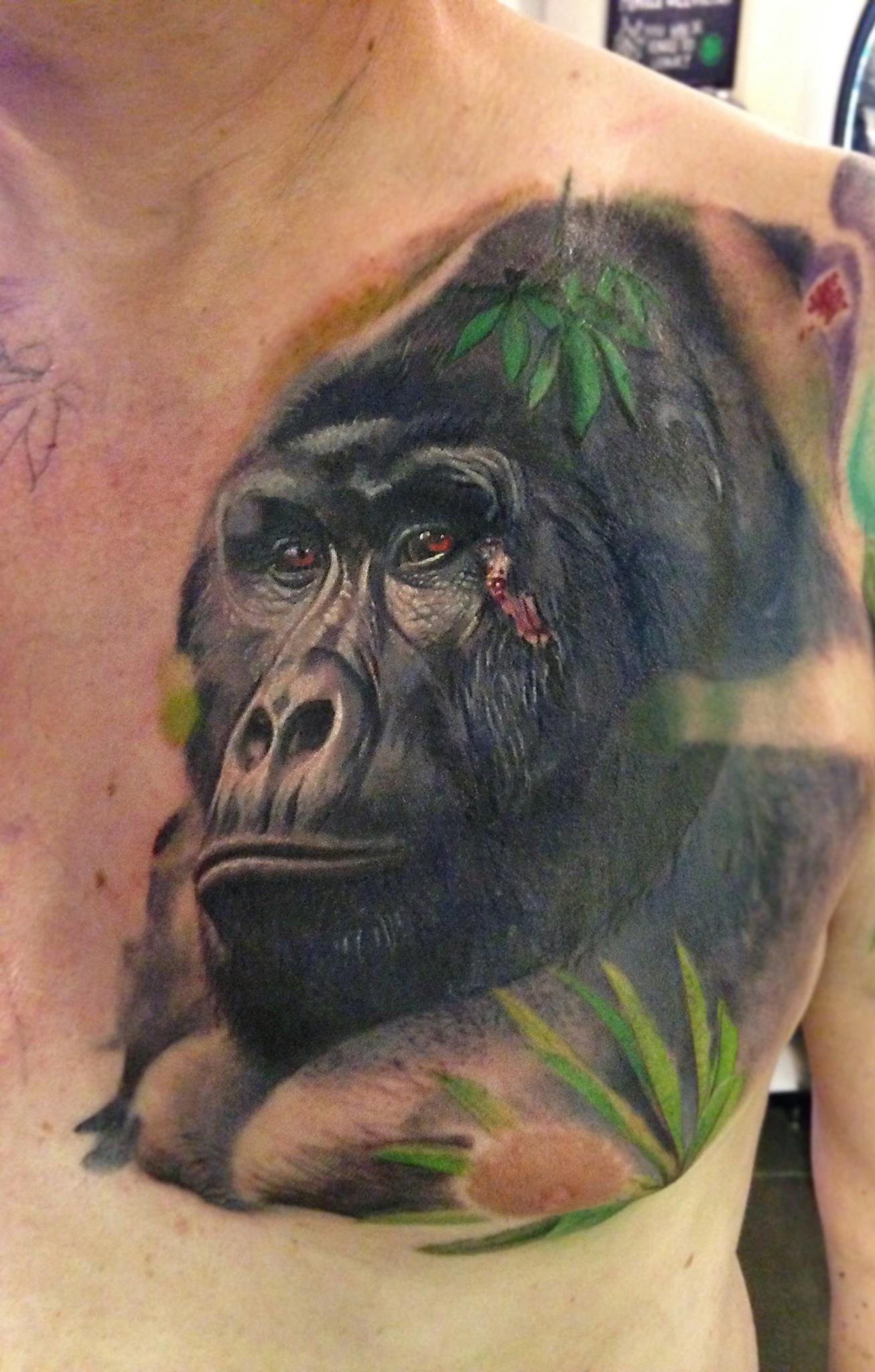 Maui Meherzi - Opus Magnum Tattoo Studio Wien - Gorilla Tierportrait Tattoo Animal Portrait
