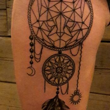 Opus Magnum Tattoo Wien Cat Dreamcatcher Traumfänger Katze Tattoo lines fani sofian meherzi filigran filigree lining black cheyenne tatouage τατουά ζ タトゥー 黥