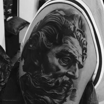 Maui Meherzi - Opus Magnum Tattoo Studio Wien