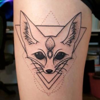 Opus Magnum Fennek tattoo wüstenfuchs fuchs geometric geometrie dotwork cute vulpes fani sofian meherzi  lines fani sofian meherzi filigran filigree lining black cheyenne tatouage τατουά ζ タトゥー 黥