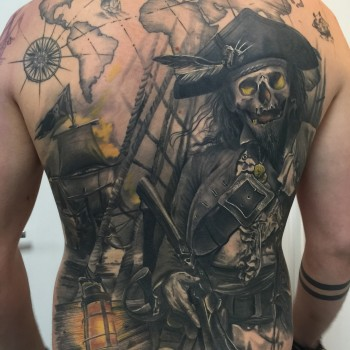 Maui Meherzi - Opus Magnum Tattoo Studio Wien - Sailor Ship Pirate Back Tattoo Healed