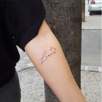 kleine schrift am unterarm tattoo leonie tattooed with hearts