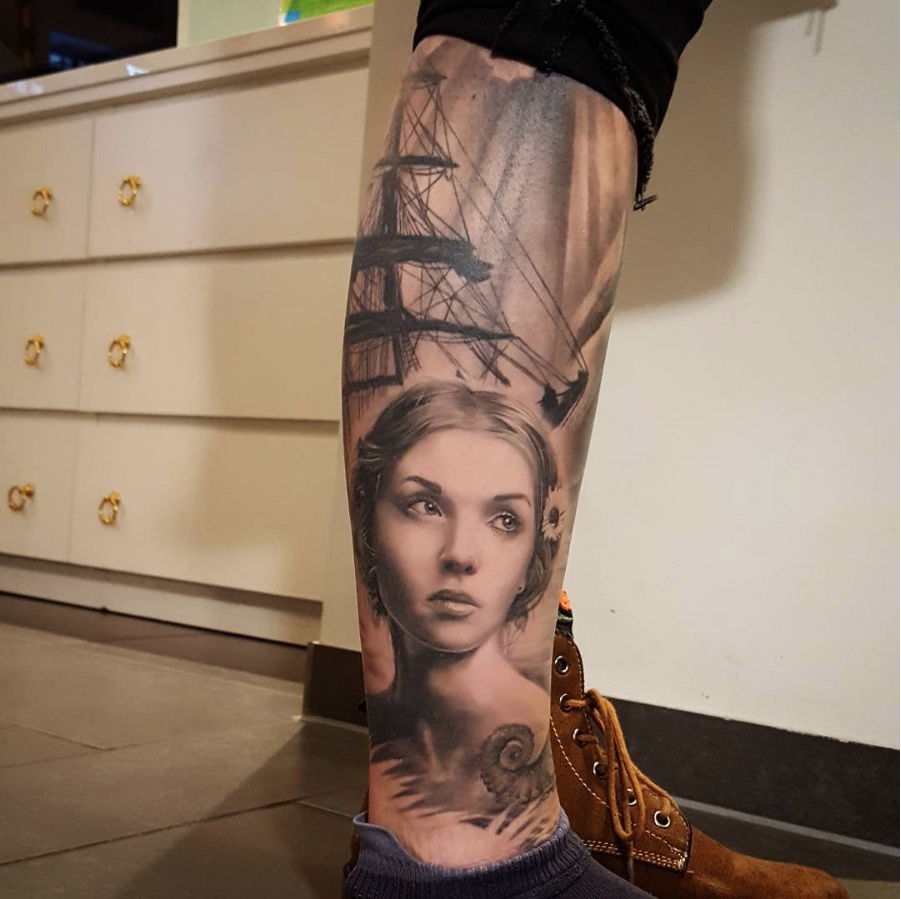 portrait pirate sleeve leg black and gray black work fun clouds realistisch realistisches frau girl art pirates ship siluette tentackel water