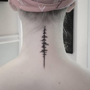 baumtattoo tannenbaum needletree tattoos tattooing tattoo tätowieren tätowierung fani klein baum an hals one