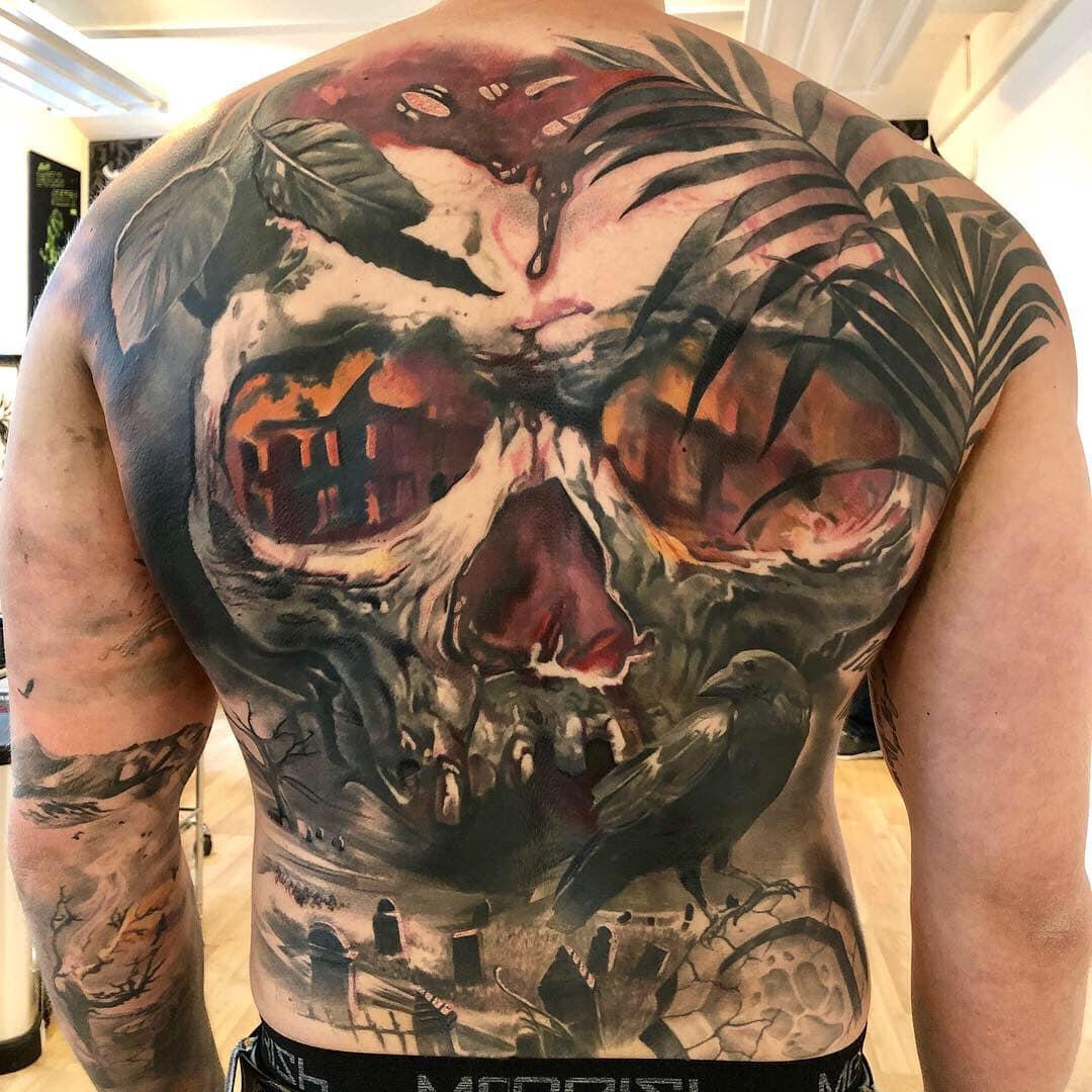 Maui Meherzi - Opus Magnum Tattoo Studio Wien - Skull Rücken