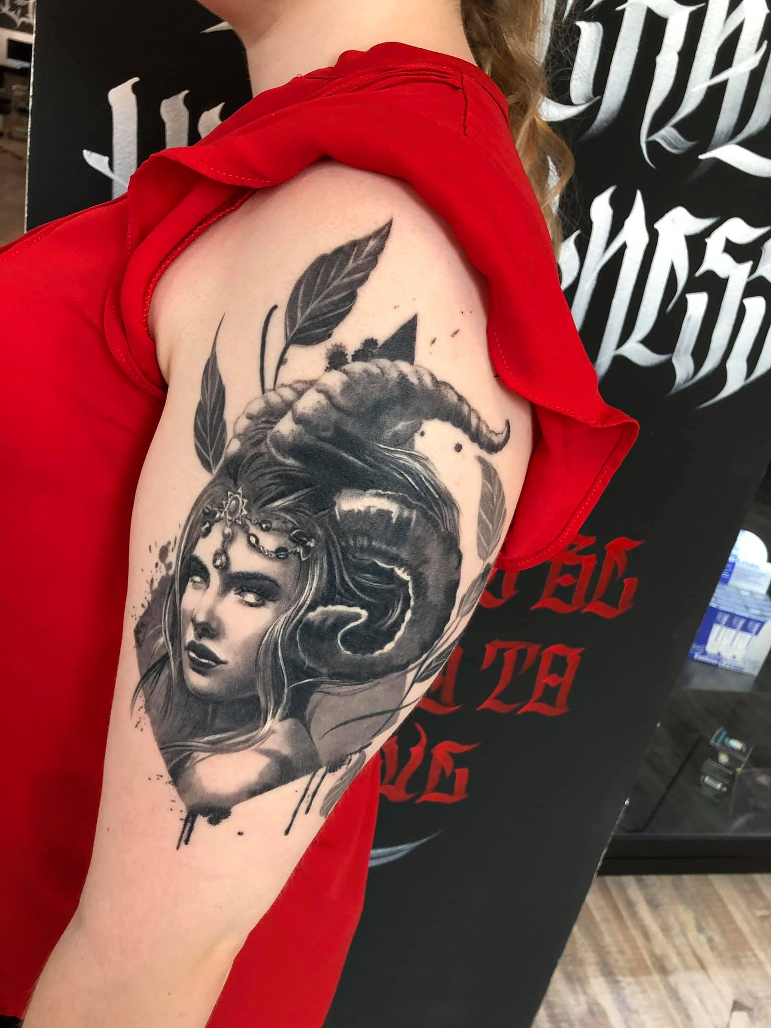 Maui Meherzi - Opus Magnum Tattoo Studio Wien - Photorealistic Portrait