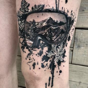 Maui Meherzi - Opus Magnum Tattoo Studio Wien - Black and Grey Realism
