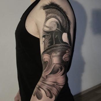 Opus Magnum Tattoo Wien fani sofian meherzi - black and grey realistic roman warrior