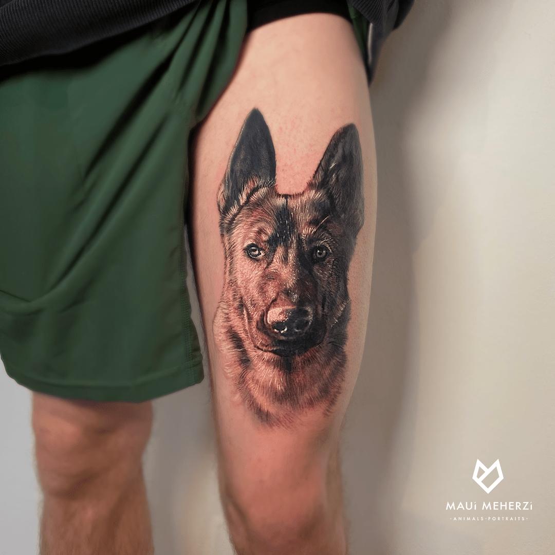 Maui Meherzi - Opus Magnum Tattoo Studio Wien Realismus Dog Portrait Tattoo