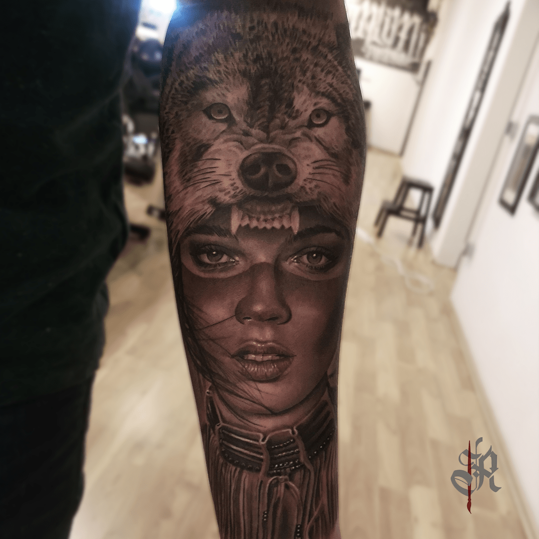 Robi Vienna Tattoo Realistic  Opusmagnum Woman Wolf Face