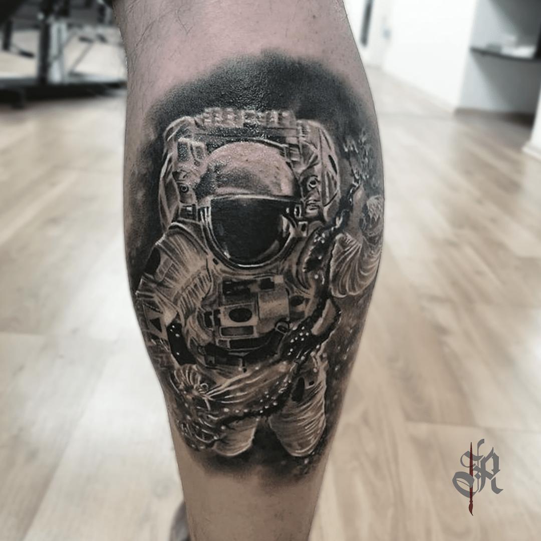 Robi Vienna Tattoo Realistic  Opusmagnum Astronaut