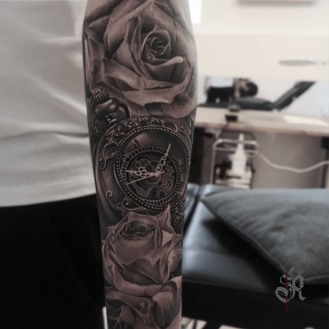 Robi Vienna Tattoo Realistic  Opusmagnum Roses