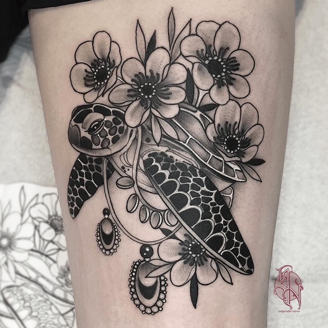 nadjastadler tattoo wien vienna opusmagnum neotraditional animal color tattoo sea life turtle